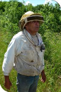 UTPLA apiculteur Claude POIROT