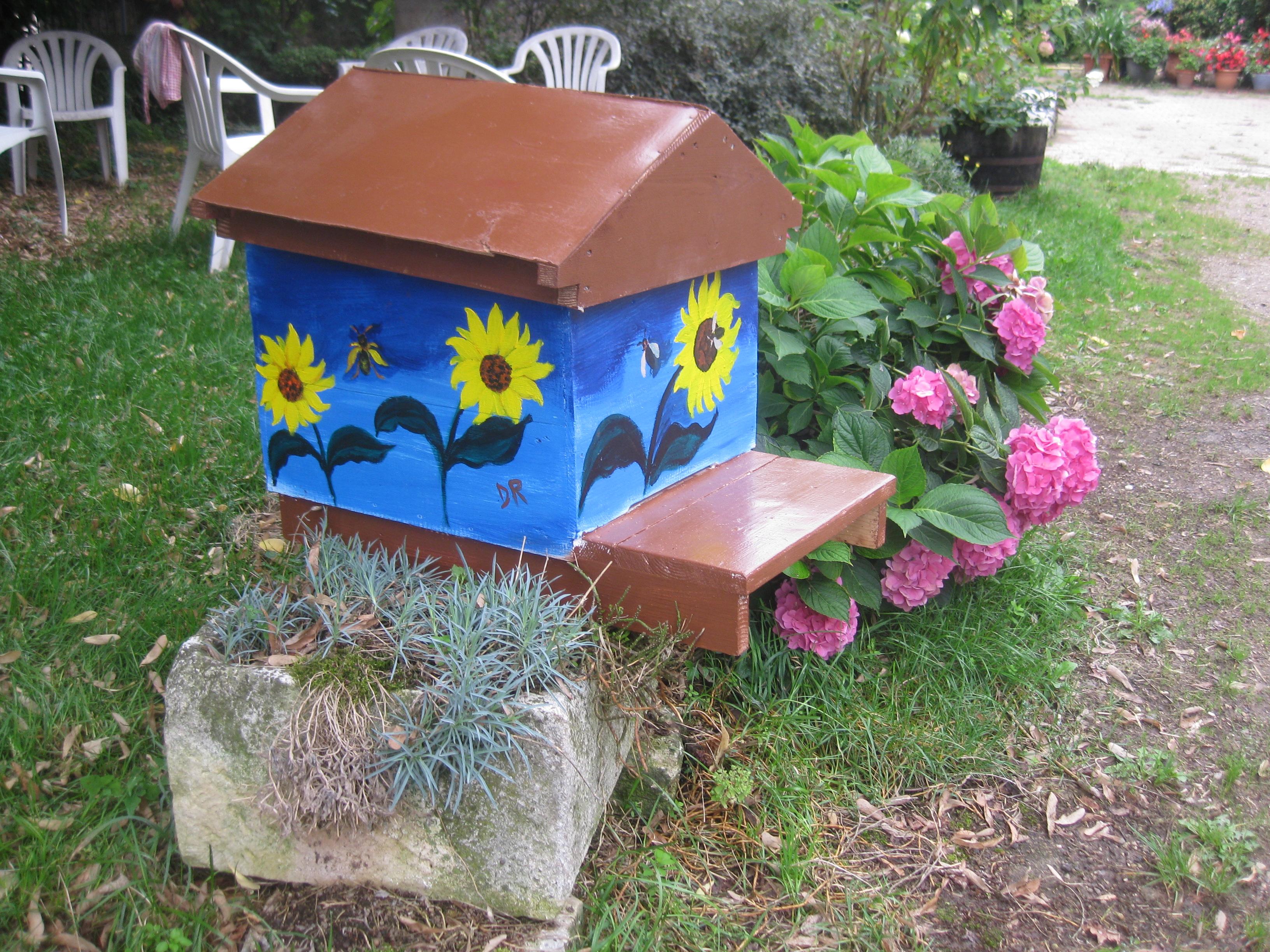 un blog pour les abeilles ruche originale. Black Bedroom Furniture Sets. Home Design Ideas